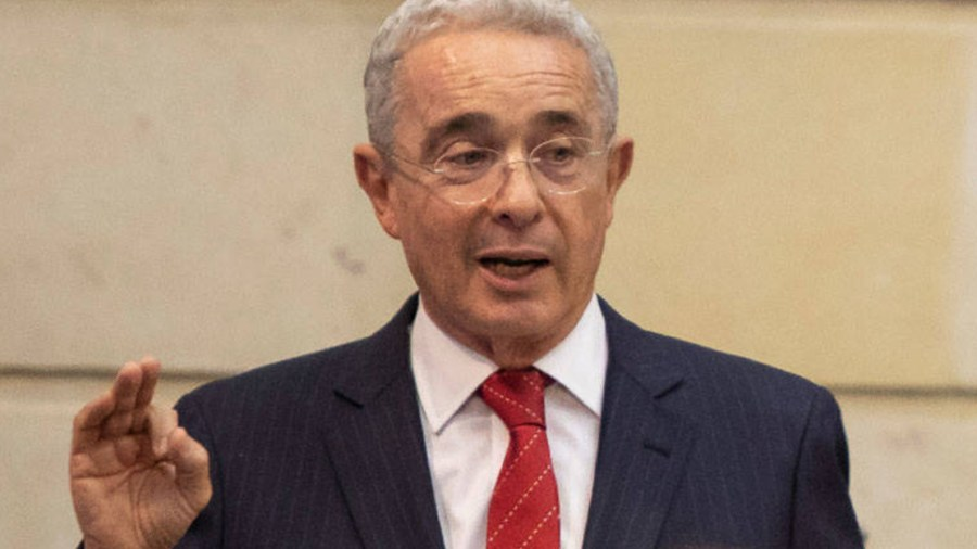 alvaro uribe velez debate fiscal congreso