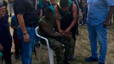 guardia indígena soldado capturado