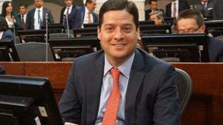 senador desmayo congreso