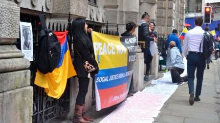 manifestantes ivan duque londres