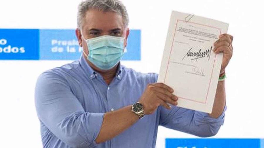 ivan duque vacunas