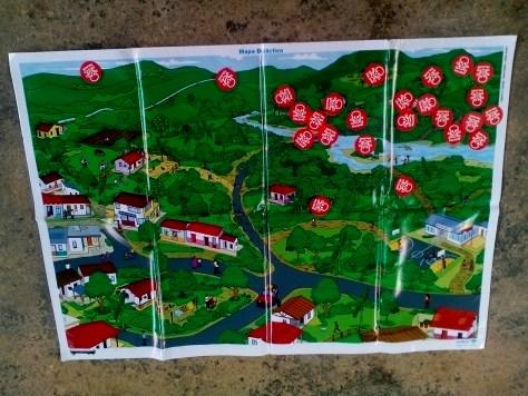 Mapa sobre el cual los estudiantes ubican las zonas de mayor peligro por la presencia de minas en su territorio