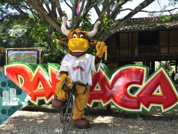 colombia-tours-travel-park-panaca-toro-mascot