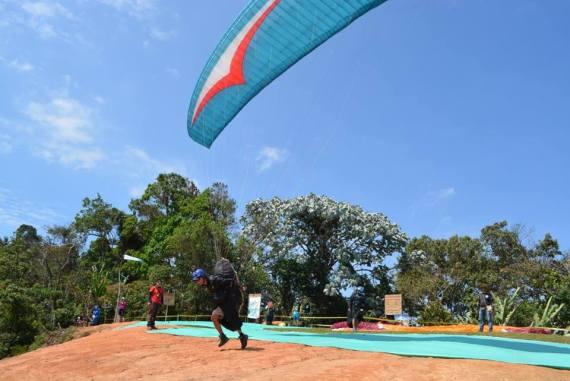 Paragliding Apía flight