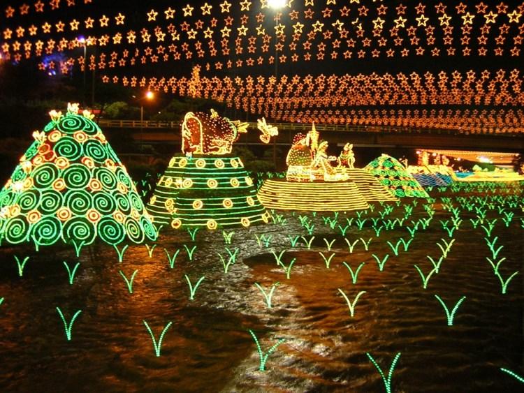 Tour de Luces Medellín - Alumbrado Navideño - Colombia - Plan Turístico - Planes de Navidad en Colombia