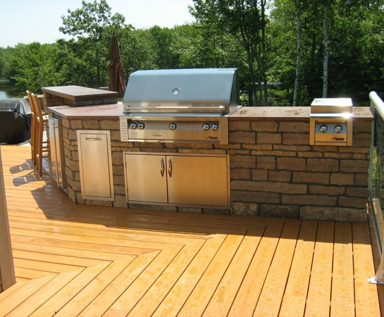 Harvest Gold Limestone Outdoor KItchen BBQ