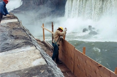 niagara falls project removing scaffold