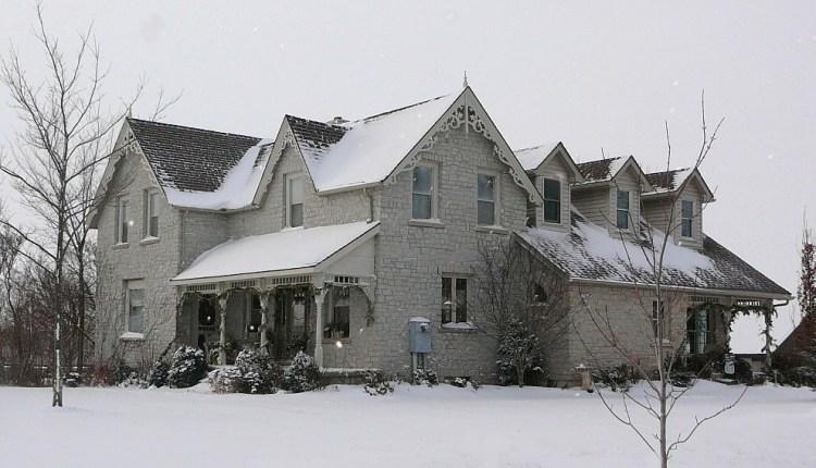 White to Grey Limestone House