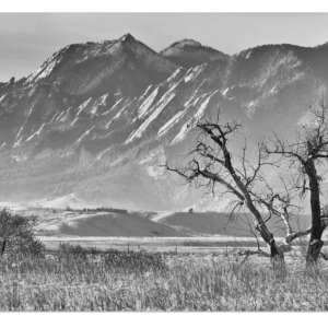 Boulder Colorado Snowy Front Range View In Black and White 32″x48″x1.25″ Premium Canvas Gallery Wrap