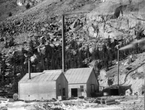 X-61689 Power plant and entrance to the Baltimore Tunnel near Silver Plume, 1880s.