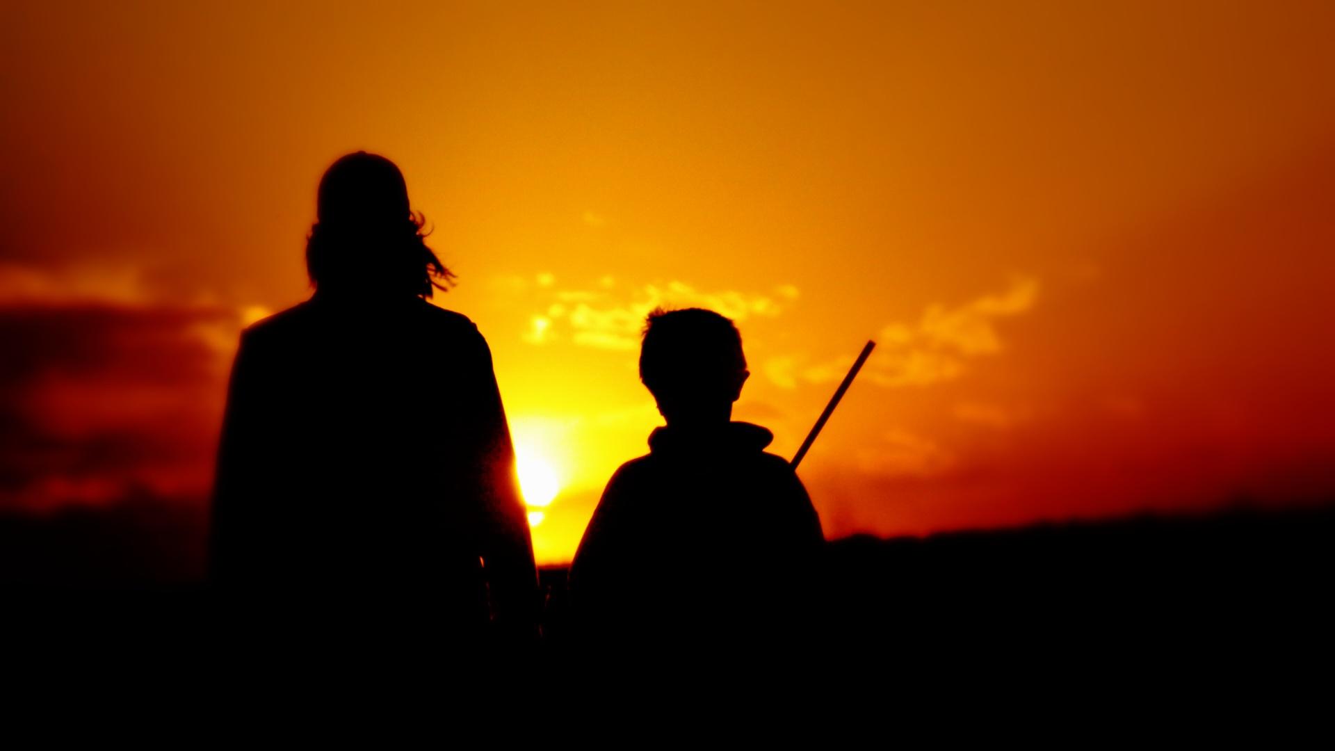 Lov na slikama i videu - Page 2 Kid-adult-sunset