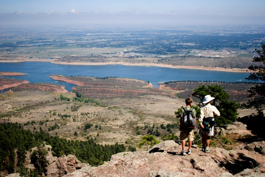 Lory 23, Hikers overlooking the Lake and surrounding scenery, Lory