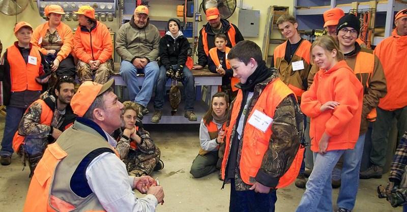 Jim Bulger instructs hunter outreach class