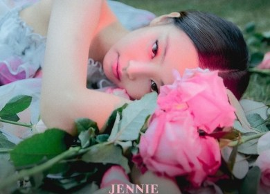 Jennie – SOLO