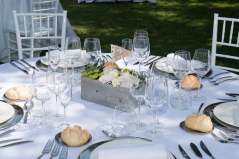 colores-de-boda-90-organizacion-bodas-centro-de-mesa-caja-flor-1