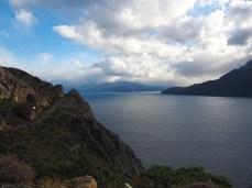 Die Steilküste des Lago General Carrera