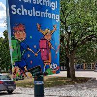 Aufregung um AfD-Plakat vor Schule