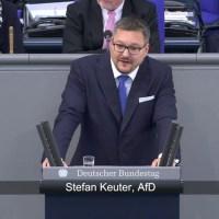 Lachgeschichten: Der hinterhältige Anschlag auf AfD-Abgeordneten