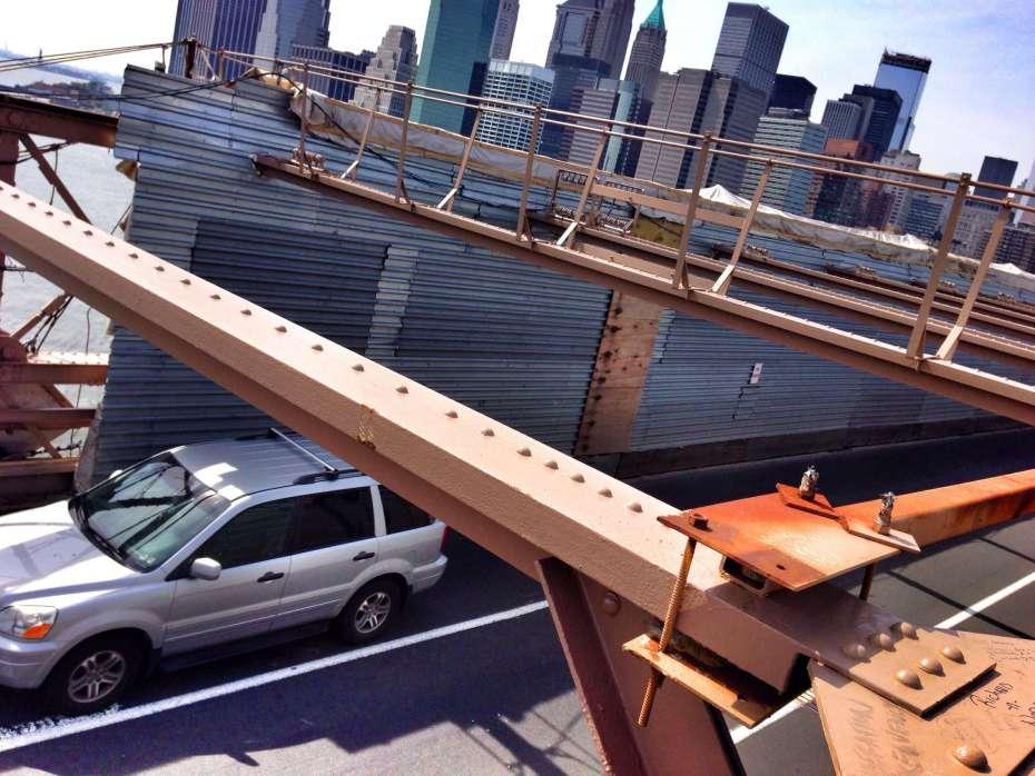 Blick von der Brooklyn Bridge auf den Financial District
