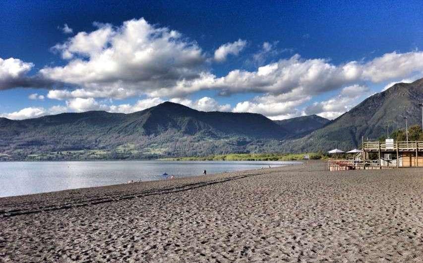 Vulkane und Seen in Chile