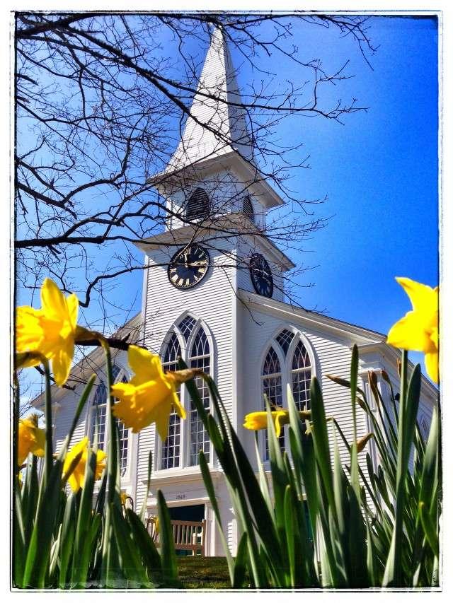 Eine typische Dorfkirche in Neu-England - zu entdecken bei einer Tour über die Dörfer