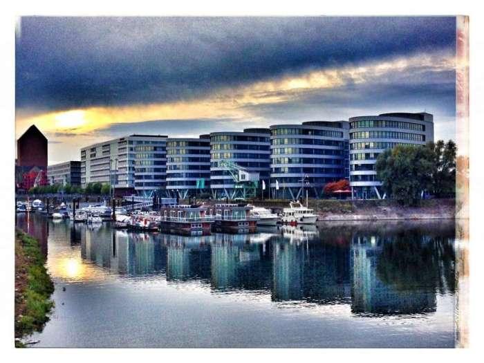 Bürogebäude Five Boats im Innenhafen Duisburg