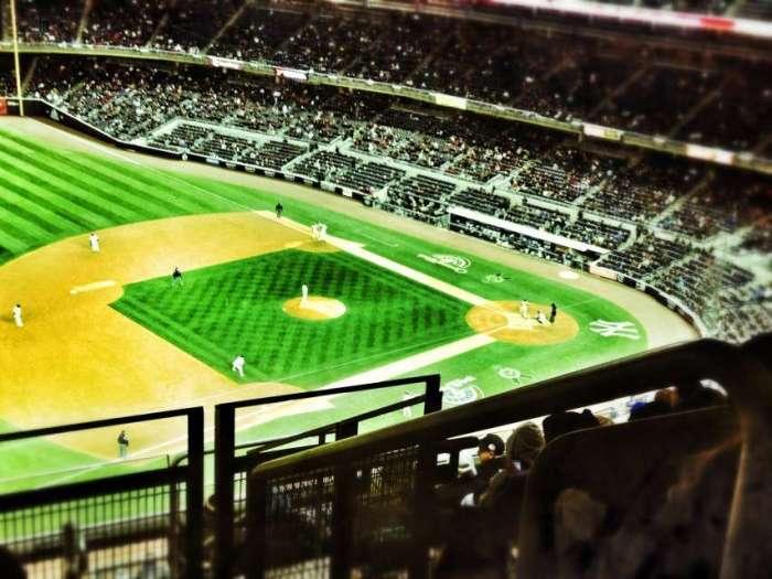 Baseballfeld im Yankees Stadium