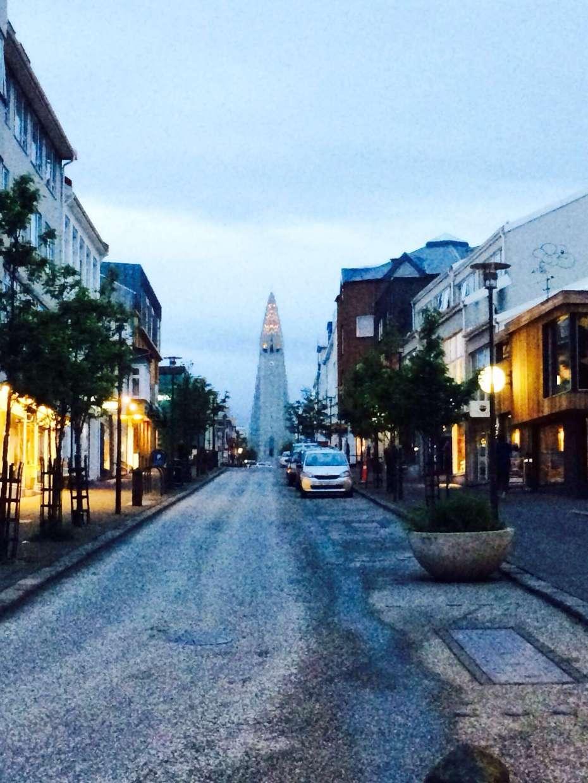 Tag oder Nacht? Diese Aufnahme entstand gegen 23 Uhr in Reykjavik