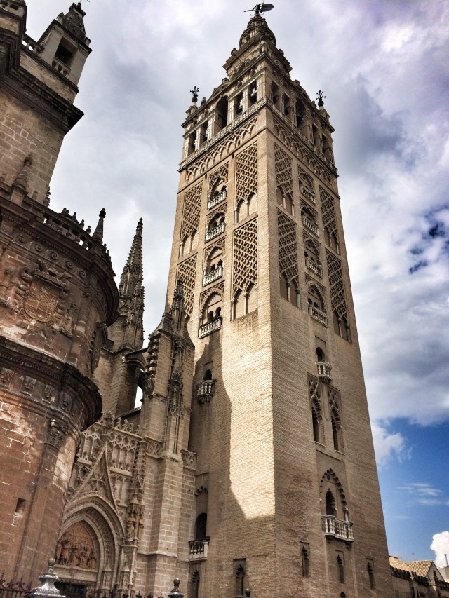 Der Turm der Kathedrale in Sevilla - Vorbild für das Wrigleys-Gebäude