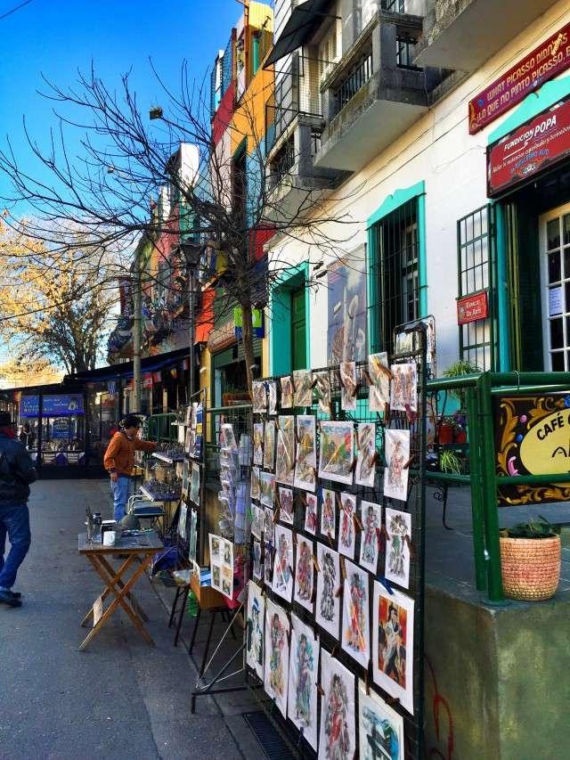 Künstler verkaufen Bilder in La Boca