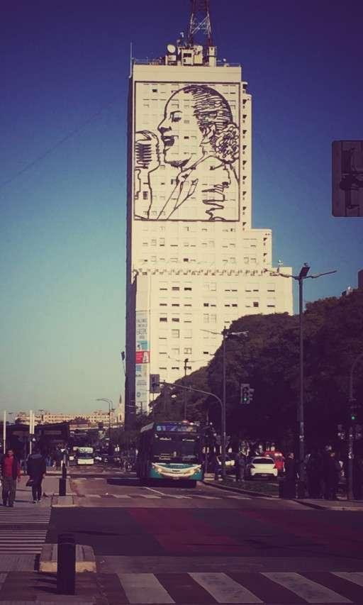 Das Bild von Evita Peron auf einem Hochhaus in Buenos Aires