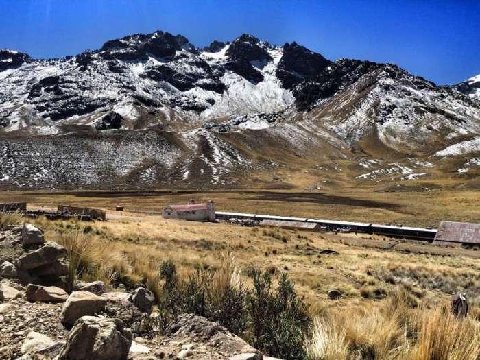 Bahnstation auf 4.300 Meter Höhe in Puno