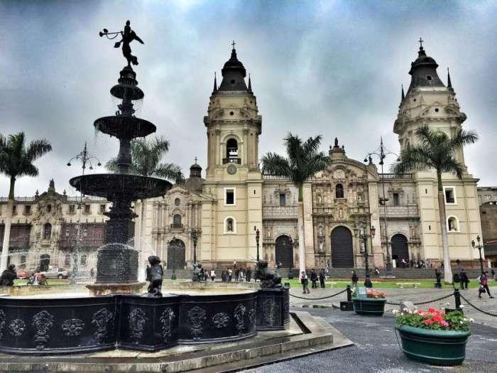 Die Kathedrale von Lima - hier stand zu Pizarros Zeiten eine kleine Holzkirche