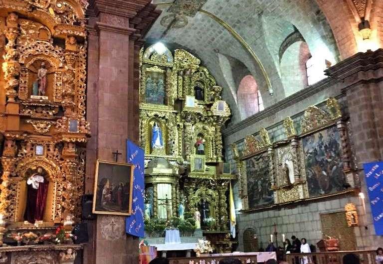 Franziskaner Kirche und Papst Franziskus in La Paz