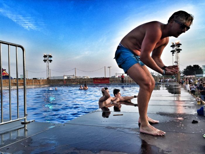 Schwimmbad auf dem Festival