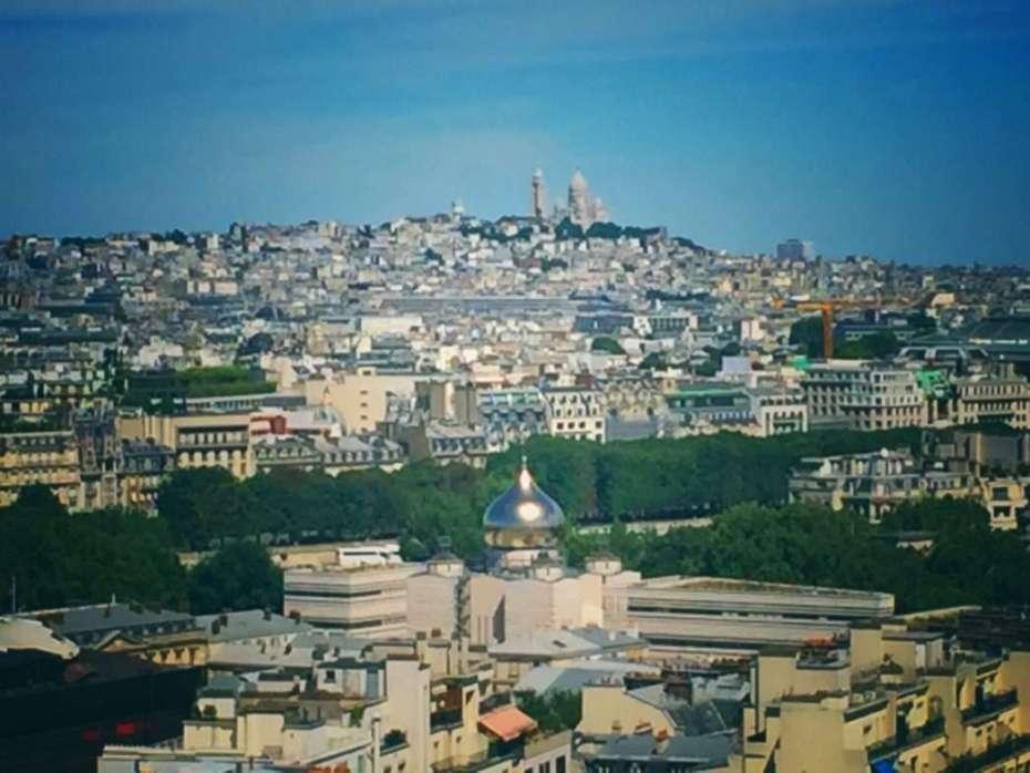 Blick vom Eiffelturm auf Sacre Coeur