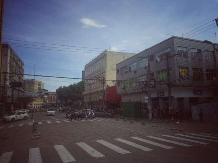 Die nicht so schöne Hauptstraße in Manaus