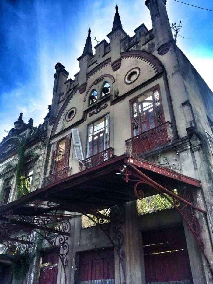 Von der Pracht sind in vielen Fällen nur Fassaden übrig geblieben