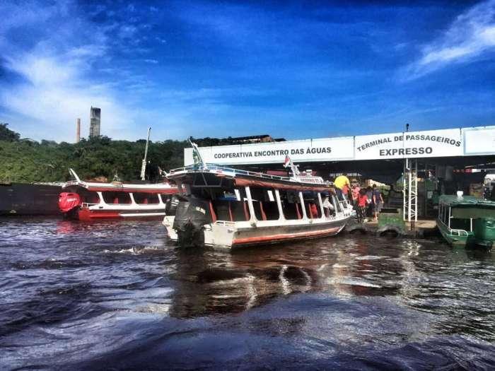 Am Hafen in Manaus startet die Tour in den Urwald