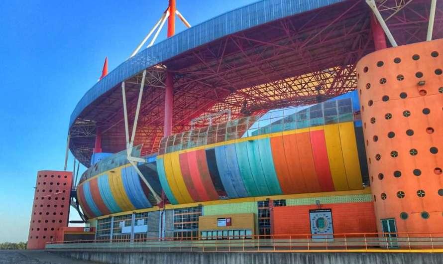 Das bunte Stadion in Aveiro