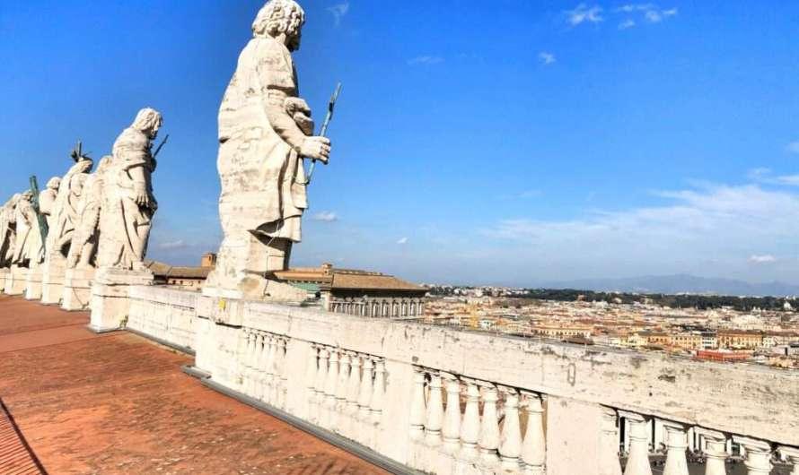 Auf dem Dach vom Petersdom