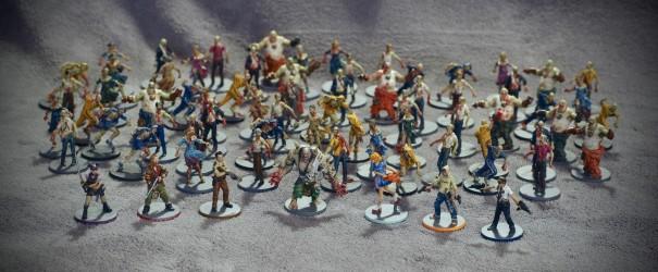 Les 71 figurines du jeu, au complet.