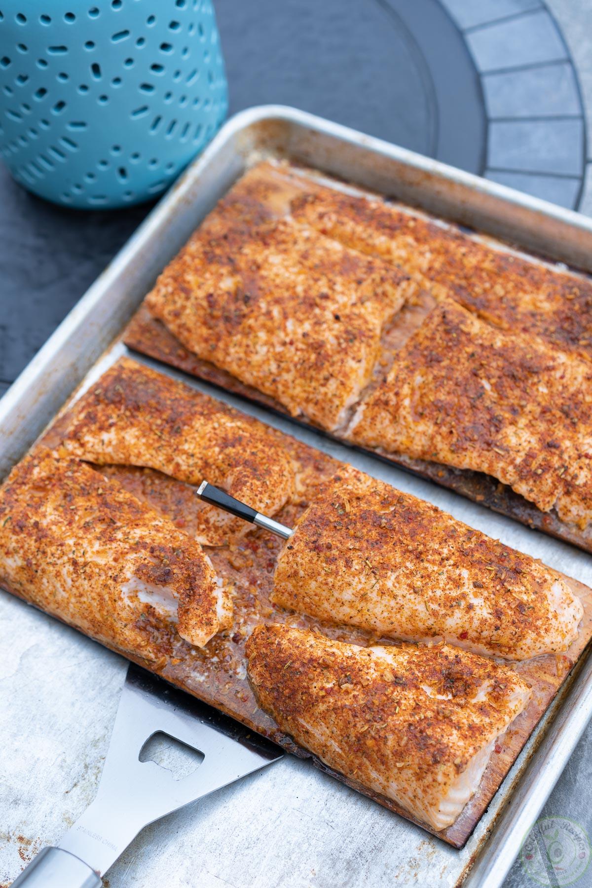 how to grill salmon on a cedar plank