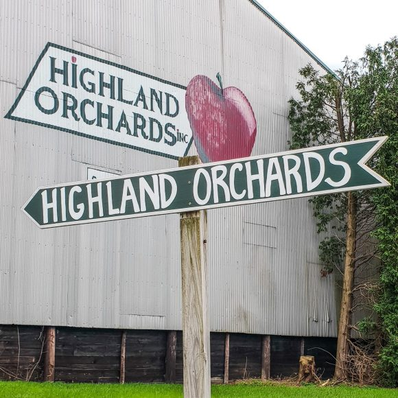 Highland Orchards Apple Picking