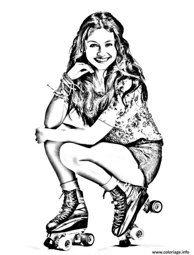 Coloriage portrait soy luna - JeColorie.com