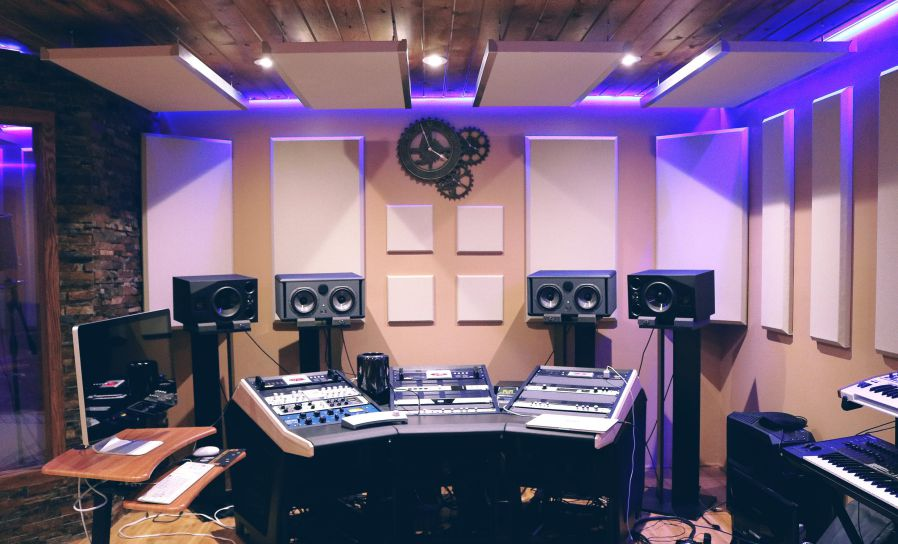 Guide to Purchasing a Home Recording Studio