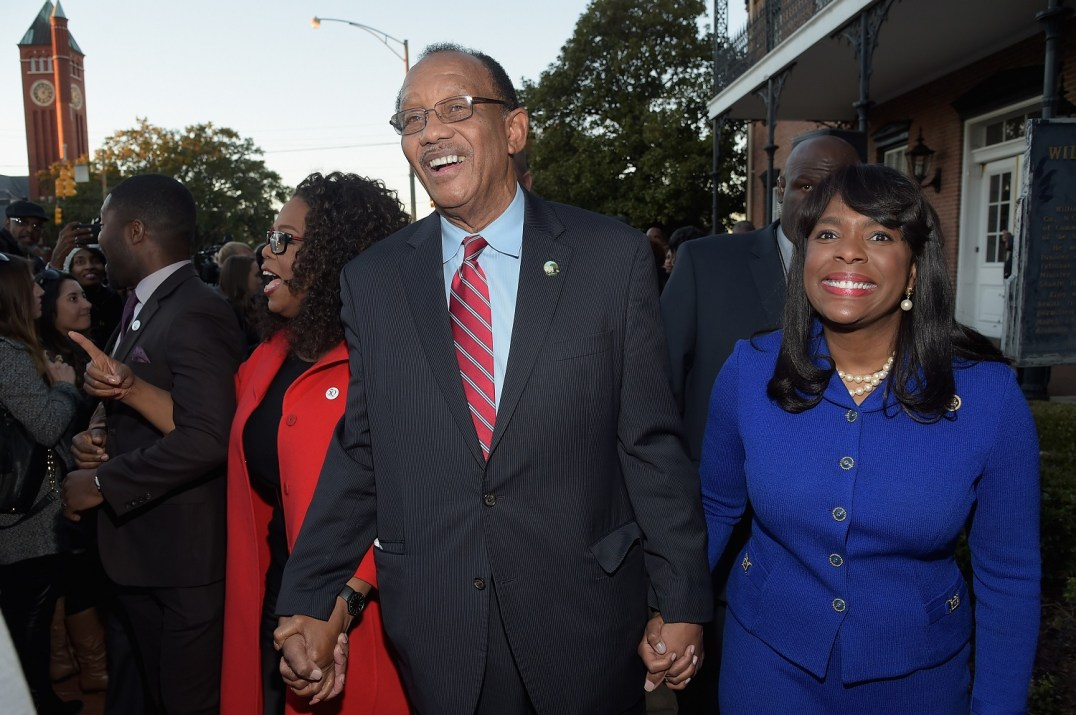 SELMA, AL - JANUARY 18: EDITORIAL USE ONLY- (L-R) David Oyelowo, Oprah Winfrey, Mayor George Evans and Congresswoman Terri Sewell lead a commemorative march to the Edmund Pettus Bridgeon January 18, 2015 in Selma, Alabama. (Photo by Rick Diamond/Getty Images for Paramount Pictures) *** Local Caption *** David Oyelowo; Oprah Winfrey; George Evans; Terri Sewell