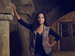 SLEEPY HOLLOW: Lyndie Greenwood as Jenny. SLEEPY HOLLOW Season Three premieres Monday, Oct.1 (9:00-10:00 PM ET/PT) on FOX. ©2014 Fox Broadcasting Co. CR: Michael Lavine/FOX
