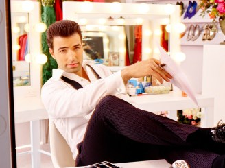 TELENOVELA -- Season: 1 -- Pictured: Jencarlos Canela as Xavier -- (Photo by: Nino Munoz/NBC)