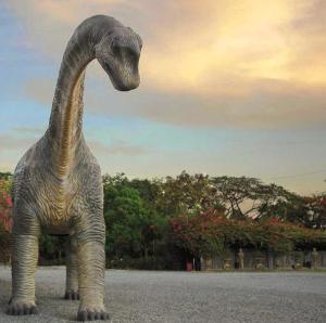 dinosaur-replica1